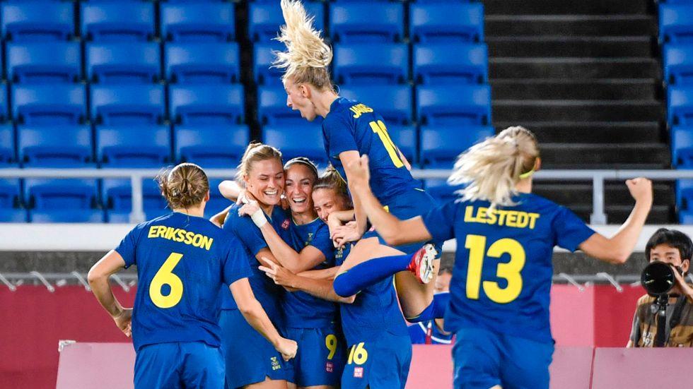 I dag spelare Sveriges fotbollsdamer final för andra OS:et i rad.