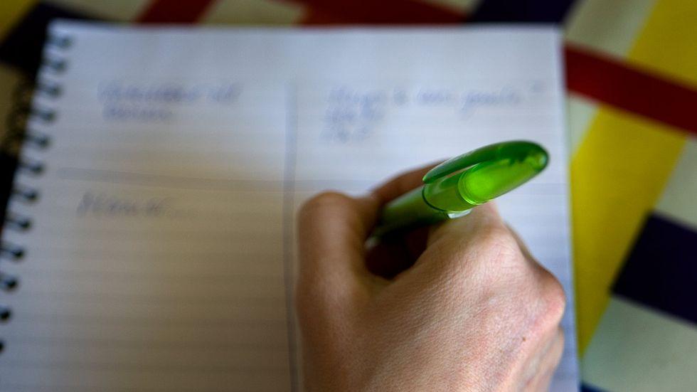 En enkel skrivövning kan hjälpa en att omstrukturera inre föreställningar om sig själv.