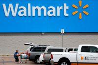 Varuhuskedjan Walmart säljer vapen och ammunition igen efter att tillfälligt ha tagits bort varorna från butikshyllorna. Arkivbild