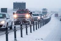 Snöfall i södra Sverige ställer till det på vägarna. Arkivbild.