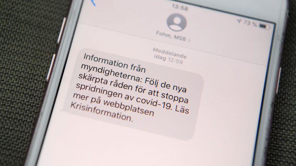 Sms:et från Folkhälsomyndigheten och Myndigheten för samhällsskydd och beredskap.