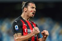Zlatan Ibrahimovic firar ett av sina mål mot Napoli i söndags kväll.