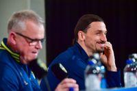 Förbundskapten Janne Andersson och Zlatan Ibrahimovic sida vid sida.
