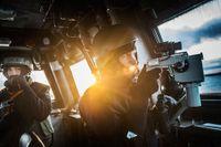 Militärövning på Östersjön m fartyg, luftförsvar och ubåtsjakt - SvD åker med korvetten Visby.