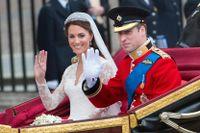 Prins William och Kate Middleton i samband med att de gifte sig 2011. Arkivbild