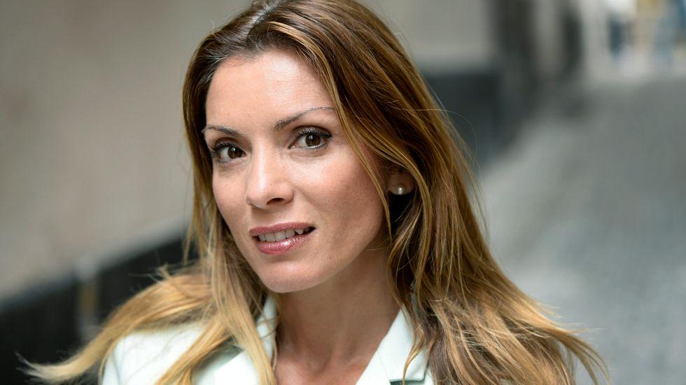 Alexandra Pascalidou, journalist på Sveriges Radio, ser midsommar som ett integrationstest.