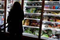 Konsumenter väljer bort osalt mat, det gör det svårt att minska halterna i produkterna, menar Livsmedelsföretagens vd.