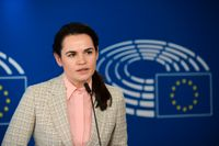 Den belarusiska oppositionsledaren Svetlana Tichanovskaja under ett tal i Europaparlamentet i Bryssel. Arkivbild.