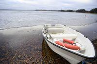 Fyra män, i 65-årsåldern eller äldre, miste livet efter att ha gått genom isen på Vallsjön i Sävsjö kommun.