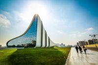 Bakom fasaderna styr korruptionen Baku, i en regim med nya politiska fångar som trots det är medlem av Europarådet.