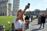 Det är många som väljer att resa till Pisa för att ta en selfie med det lutande tornet.