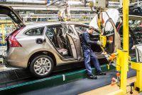 Biltillverkarna tvingas till stora omställningar. En utredning vill exempelvis få EU att sätta stopp för nya personbilar med CO2-utsläpp via avgasröret.