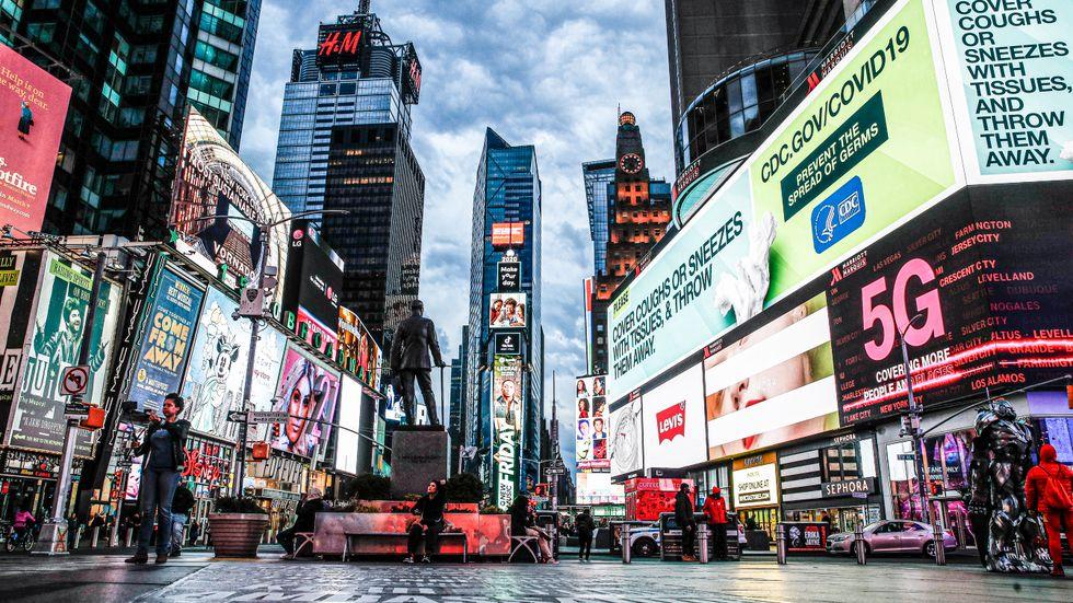 Teaterkvarteren runt Times Square och längs Broadway i New York City.
