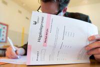 Högskoleprovet får vänta till våren, enligt riksdagens utbildningsutskott. Arkivbild.