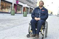 Hassan Zubier skadades när han försökte stoppa knivattattacken i Åbo i augusti förra året, fotograferad i Stockholm.