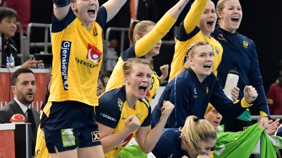Sveriges handbollsdamer vann den avslutande matchen i handbolls-VM, 35–24, vilket gav en slutlig sjundeplats samt ett lättare OS-kval nästa år.