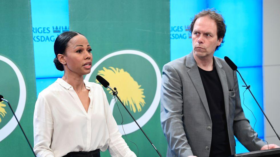 Alice Bah Kuhnke och Pär Holmgren, EU-parlamentariker för Miljöpartiet tillsammans med Jakop Dalunde.