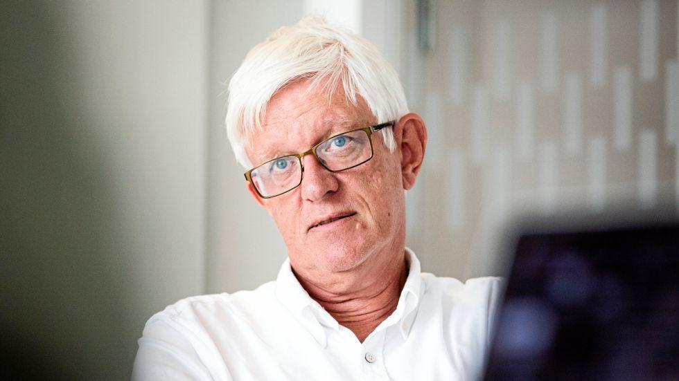 Folkhälsomyndighetens generaldirektör har sagt att Sverige var dåligt rustat för att möta en pandemi. Färre antal regioner kanske skulle ha underlättat, enligt Johan Carlson.
