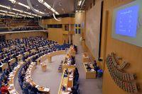 Plenisalen efter omröstningen om sänkt brytpunkt för statlig inkomstskatt den 5 december.