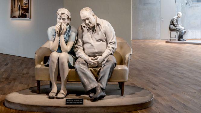 """""""Gråtande par som just sett bilder från Auschwitz""""."""