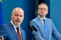 Justitie- och migrationsminister Morgan Johansson (S) och inrikesminister Mikael Damberg (S) presenterar en budgetsatsning på 2,5 miljarder mer för att bekämpa brott under 2022.