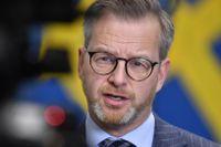 Inrikesminister Mikael Damberg (S) håller under fredagen en digital pressträff med John Ahlberk, generaldirektör på Statens haverikommission.