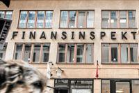 Finansinspektionen får hård intern kritik för sitt arbete mot penningtvätt.