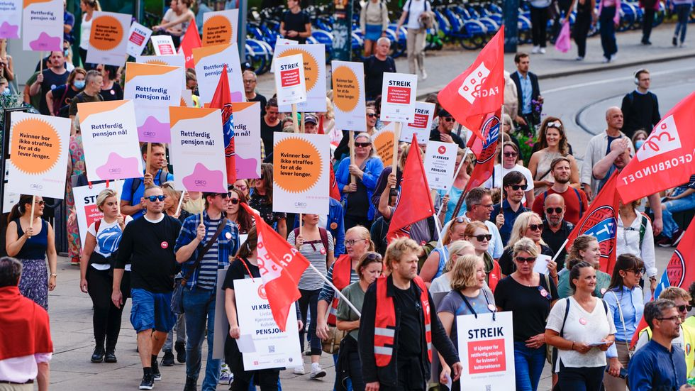 NTL-medlemmar demonstrerar tillsammans med fackförbundet Creo i Oslo tidigare i september.