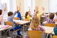 Forskaren Fredrik Zimmerman talar om antipluggkultur, normerna som gör att pojkar underpresterar i skolan för att få vara en del av pojkgemenskapen.