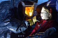 Bild från tv-serien The Strain som bygger på en romanserie av Guillermo del Toro och Chuck Hogan. del Toro har också producerat serien som handlar om en vampyrepedemi i New York. Tv-bolaget har förlängt The Strain efter att första säsongen slagit tittarrekord på amerikanska tv-kanalen FX.