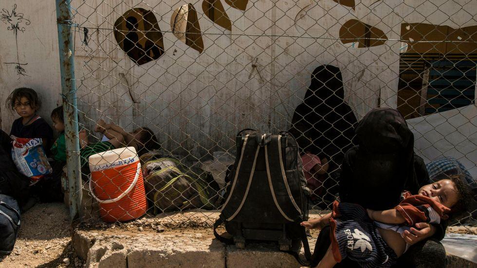 Lägret al-Hol i nordöstra Syrien hyser tiotusentals människor. Majoriteten är kvinnor och barn, många är anhöriga till IS-anhängare medan andra själva varit engagerade i den terrorstämplade rörelsen. Arkivbild.