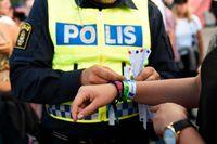 Från Bråvalla festival rapporterar polisen om fem anmälda våldtäkter och femtontalet sexualbrott. Under festivalen Putte i Parken har 35 fall av sexuellt ofredande inkommit.
