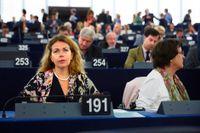EU-parlamentarikern Cecilia Wikström (L) kan tvingas lämna partiet, på grund av hennes bolagsengagemang.