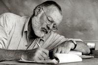 Ernest Hemingway vid skrivdonen i Kenya, cirka 1953.