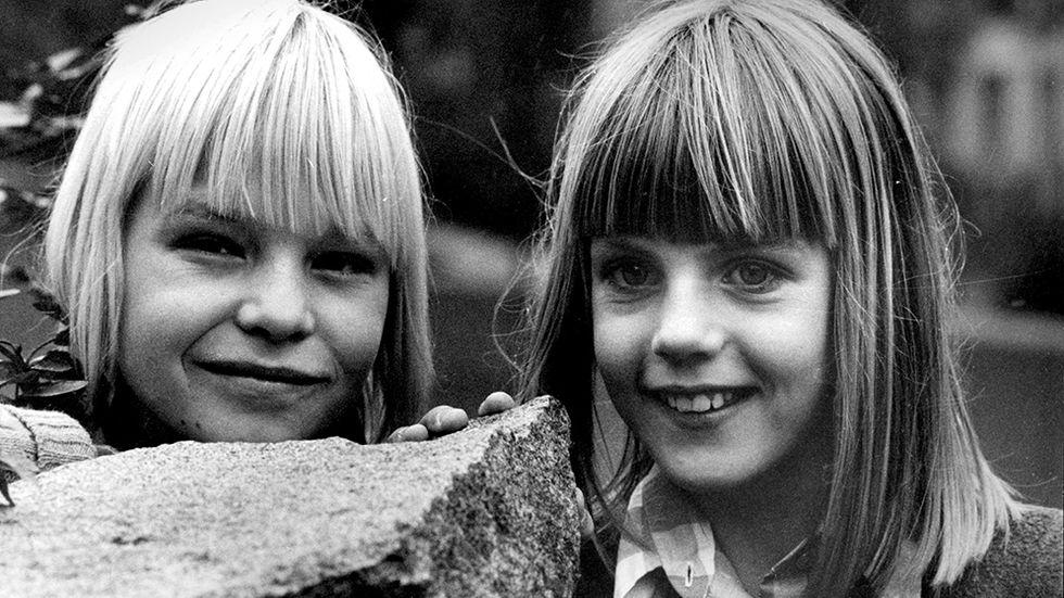 """Ulf Hasseltorp och Julia Hede som Hampus och Fia, i tv-serien """"Den vita stenen"""" efter boken av Gunnel Linde."""