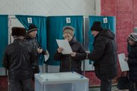 Vid Kulturhusets vallokal säger flera att de har röstat för Putin eftersom han innebär stabilitet. Här har cirka 2000 registrerat sig för att rösta.