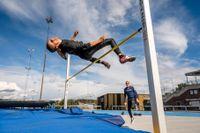 """""""Jag testade många sporter när jag var yngre men fastnade inte för någon. När jag började med friidrott kändes det som att det var rätt sport för mig. Jag gillade det på en gång"""", säger Ayla. Foto: Ari Luostarinen / Svenska Dagbladet"""