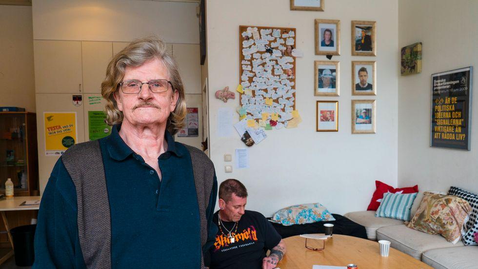 Niklas Eklund, ordförande för Brukarföreningen i Stockholm, är orolig för att fler kommer att dö av överdoser när illegala droger som heroin blir svårare att få tag på under coronakrisen.
