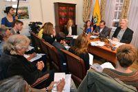 Presskonferensen på Ecuadors ambassad i London med Ecuadors utrikesminister Ricardo Patino och Julien Assange.