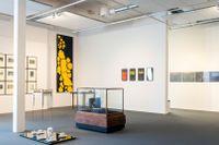 """Leif Elggrens stora retrospektiva utställning """"En annan form av närvaro"""" är en totalinstallation i två plan."""