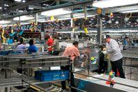 Bild från Electrolux fabrik i Memphis då den var nyöppnad 2014. Nu har det svenska företaget meddelat att den läggs ned.