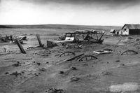 "En övergiven gård i South Dakota under 1930-talets ""Dust bowl""."