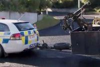 En polisbil med en bombrobot under gårdagen då flera insatser ägde rum i Dunedin.