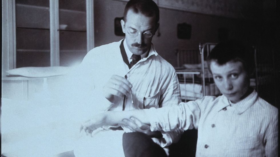 Clemens Peter Pirquet med patient.