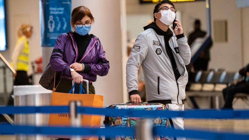 På torsdag blir det krav på munskydd i alla offentliga inomhusmiljöer i Danmark, men hur effektiva är skydden?
