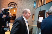 Före detta landsbygdsminister Eskil Erlandsson (C) på väg in till förhandlingarna i tingsrätten i Stockholm förra året.