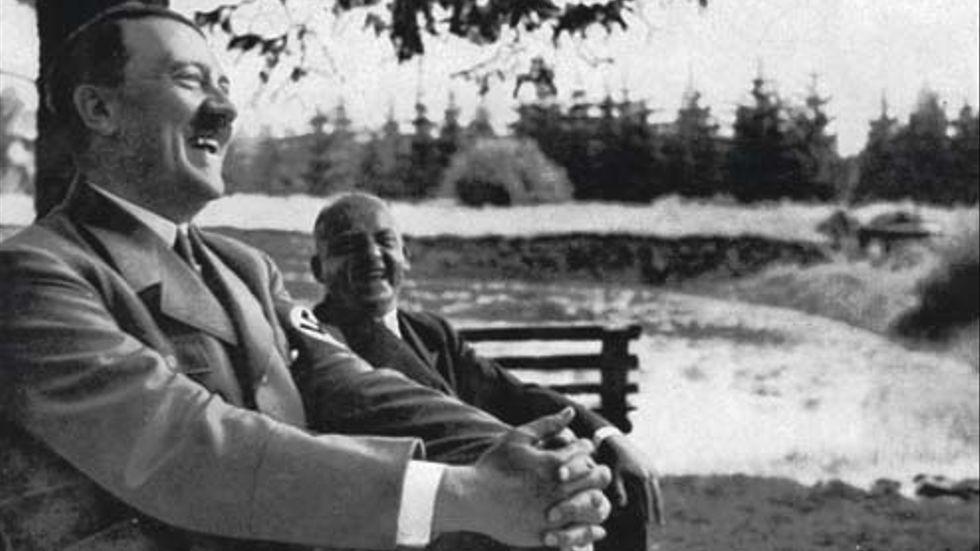 Bild ur boken Adolf Hitler av Bengt Liljegren