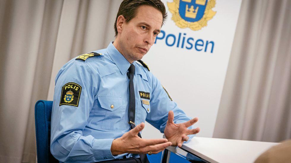 Den nationelle samordnaden Mattias Dejke tror att det går att nå politikernas mål om fler poliser.