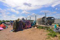 Ett staket har satts upp vid gränsen mellan Serbien och Ungern, och Ungern har nyligen infört hårdare regler riktade mot flyktingar.