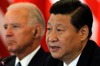 Xi Jinping och Joe Biden på en bild från 2011, då de båda var vicepresidenter. Arkivbild.